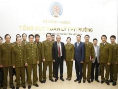 Phó Thủ tướng Trương Hòa Bình thăm và làm việc tại Tổng cục Quản lý thị trường
