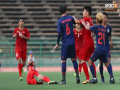 Cầu thủ U22 Thái Lan đạp thẳng chân vào mặt tuyển thủ U22 Việt Nam