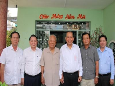 Phó Thủ tướng thăm nguyên lãnh đạo Đảng, Nhà nước và các gia đình chính sách