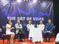 """Tuổi trẻ Trường Đại học Ngoại Thương - Tọa đàm Phát triển kỹ năng """"Nghệ thuật giọng nói - The Art Of Voice"""""""