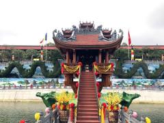Công an thành phố Uông Bí ra thông báo: Không chấp nhận cho công dân Phạm Thị Yến tạm trú và hành nghề mê tín dị đoan tại chùa Ba Vàng