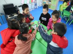 Chương trình Sữa học đường tại Hà Nội -  Nhiều phụ huynh muốn mỗi con được thêm 2-3 suất nữa