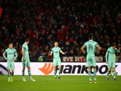 Chelsea thắng dễ, Arsenal thua đau