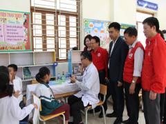 517 học sinh được khám sức khỏe miễn phí