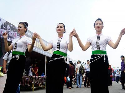 Nét duyên của phụ nữ dân tộc Thái