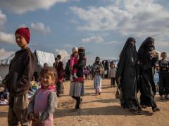 """Con cái của các chiến binh IS: Đứa trẻ vô tội hay """"quả bom nổ chậm""""?"""