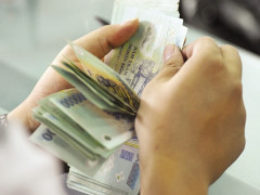 Tăng lương từ 1/7, cán bộ, công chức có sống được bằng lương?