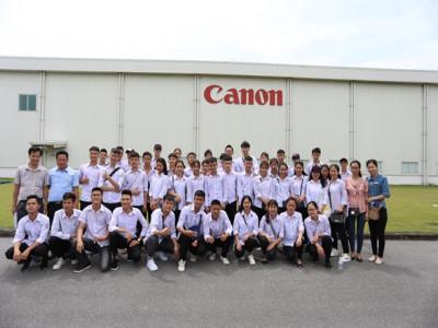 Trường THPT Lam Hồng thăm quan Cơ sở 2 của Trường ĐH Kinh doanh và Công nghệ Hà Nội và trải nghiệm thực tế tại Công ty TNHH Điện tử CANON Việt Nam