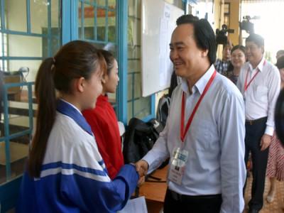 Bộ trưởng Phùng Xuân Nhạ yêu cầu thực hiện đúng quy chế, tạo tâm lý nhẹ nhàng, thoải mái cho thí sinh dự thi