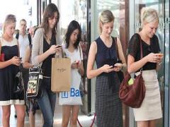 Nghiện điện thoại di động – Hệ lụy và giải pháp