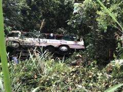 Tiên Yên: Lật xe chở khách làm 2 người tử vong