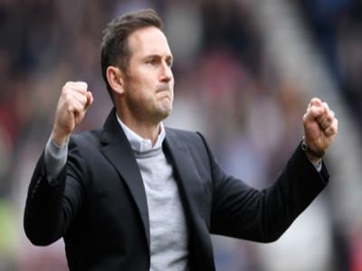 Frank Lampard làm HLV trưởng của Chelsea
