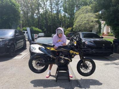 Xe cào cào khủng KTM 500 EXC-F độ riêng cho Justin Bieber có trang bị gì đặc  biệt