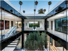 Bên trong biệt thự giá 45 triệu USD của đại gia mê siêu xe