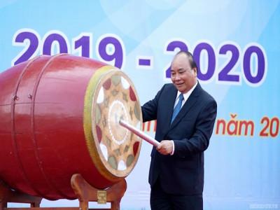 Thủ tướng Nguyễn Xuân Phúc gióng trống khai trường