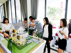 Giá nhà liền thổ tại TP.HCM liên tục tăng mạnh