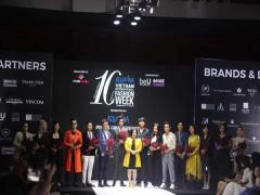 Kỉ niệm 10 mùa - một hành trình thời trang