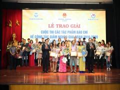 Trao giải cuộc thi báo chí viết về giảm nghèo năm 2019