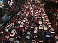 """Hà Nội tiếp tục """"khởi động"""" đề án cấm xe máy và thu phí ô tô vào nội đô"""