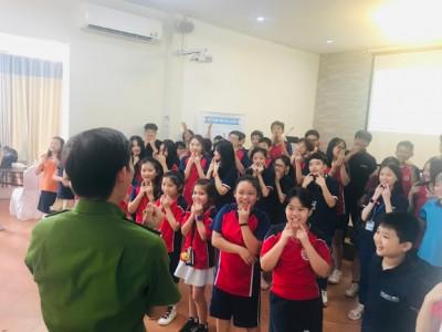 Trường Song ngữ Quốc tế Horizon tổ chức giảng dạy kỹ năng thoát hiểm trong các tình huống khẩn cấp