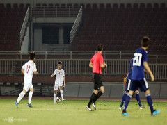 HLV Troussier lý giải việc U19 Việt Nam câu giờ
