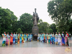 Thí sinh Hoa khôi Thủ đô 2019 dâng hương tại Tượng đài Lý Thái Tổ