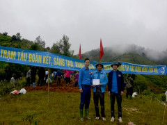 700 đoàn viên, thanh niên khai hoang 2,5ha ruộng bậc thang tại thôn Tà Xùa, xã Bản Công, huyện Trạm Tấu