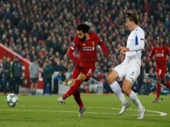Liverpool lên đầu bảng sau trận thắng sát nút