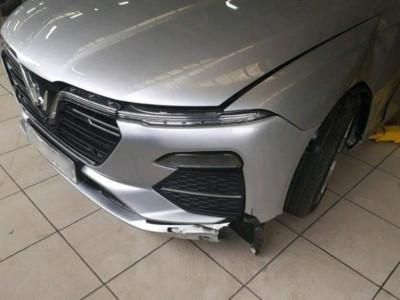 Mang VinFast Lux A2.0 đi sửa sau tai nạn, chủ xe giật mình khi biết thước lái đắt ngang một chiếc Kia Morning