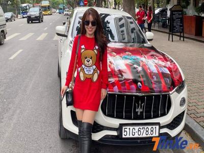 Cặp đôi Maserati lên dàn áo ủng hộ đội tuyển bóng đá Việt Nam ngay trước thềm trận đấu với Thái Lan