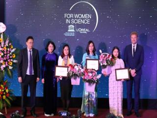 Trao giải thưởng vì sự phát triển phụ nữ trong khoa học