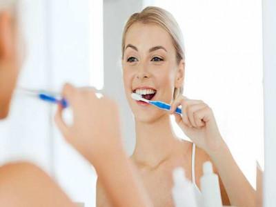 Đánh răng đều đặn tốt cho tim mạch