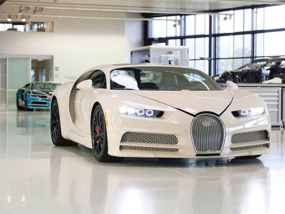 Diện kiến siêu xe Bugatti Chiron đặc biệt của