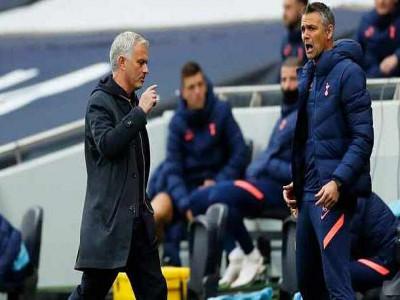 Mourinho: 'Không thể chấp nhận sai lầm của VAR'