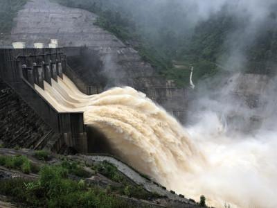 Đợt lũ lụt lịch sử: Thủy điện không phải là nguyên nhân