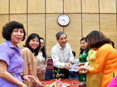 Quận Ba Đình gặp mặt cán bộ quản lý giáo dục nhân dịp 20/11