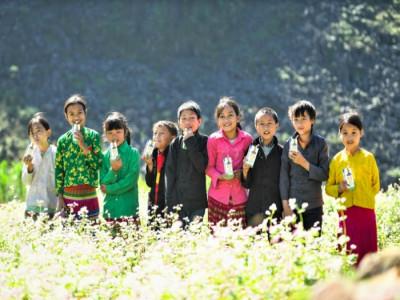 Vinamilk và Quỹ sữa Vươn cao Việt Nam trao tặng 94.000 ly sữa cho trẻ em Hà Giang
