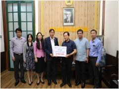 Trường Đại học kinh doanh và Công nghệ Hà Nội ủng hộ  học sinh tại vùng lũ lụt miền Trung