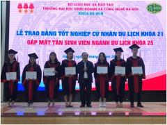 Lễ trao bằng tốt nghiệp cử nhân ngành du lịch k21 và gặp mặt tân sinh viên ngành du lịch k25