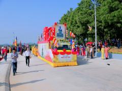 Đồng Triều: Rước tượng Phật ngọc về chùa Quỳnh Lâm
