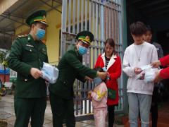 Tặng 50.000 khẩu trang cho các hộ dân TP. Móng Cái phòng chống virus cúm Corona