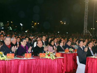 Thủ tướng dự Cầu truyền hình 'Ánh sáng niềm tin'