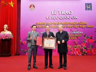 """Xác lập Kỷ lục:""""Người cao tuổi nhất được nhận bằng Tiến sĩ Khoa học Giáo dục tại Việt Nam"""" cho Tiến sĩ Chu Mạnh Nguyên."""