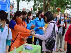 Đoàn Thanh niên Điện lực Quỳnh Phụ ra quân Ngày Chủ nhật xanh và phát động phong trào Tháng Thanh niên năm 2020