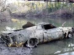Sau 40 năm, chiếc Ford Mustang Mach-1 1973 này bất ngờ được tìm thấy dưới đáy sông