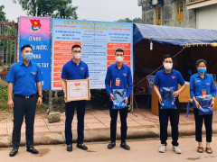 Khen thưởng 14 tập thể, 10 cá nhân tham gia phòng chống dịch Covid-19