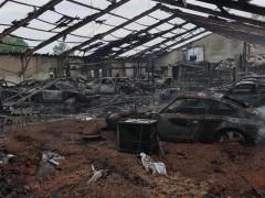 Xót xa cảnh tượng hoang tàn của xưởng độ xe Nissan Skyline sau một vụ cháy bí ẩn