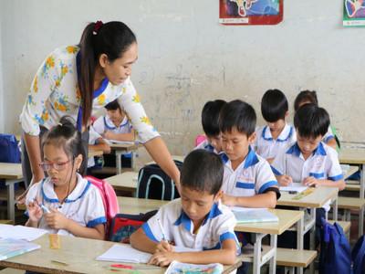 Hơn 17.000 giáo viên Hà Nội nghỉ không lương