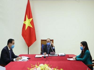 Thủ tướng Nguyễn Xuân Phúc điện đàm với Tổng thống Hàn Quốc