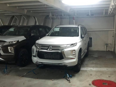Mitsubishi Pajero Sport 2020 cập cảng Việt Nam, sẵn sàng đối đầu Toyota Fortuner và Ford Everest